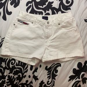 Tommy Hilfiger white high waisted jean shorts s7